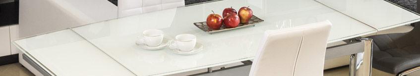 pulire i tavoli di vetro